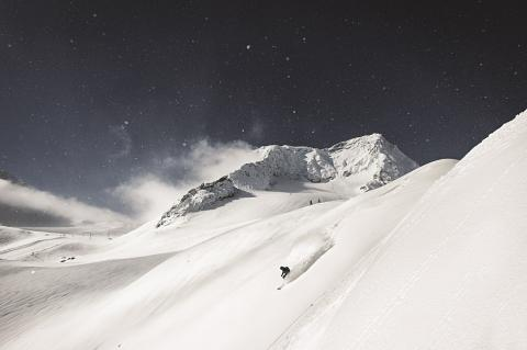 50-descensos-miticos-andre-schoenherr-stubai.jpg