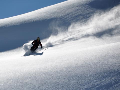 Encontrar la nieve polvo perfecta en terrenos abiertos y sin huellas es un placer que no se vive todos los días