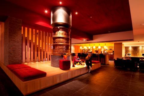 Valle de Aran - Hotel Himalaia - Acceso Inferior galería comercial