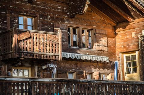 En muchas casas de Leysin encontramos la antigua tradición suiza