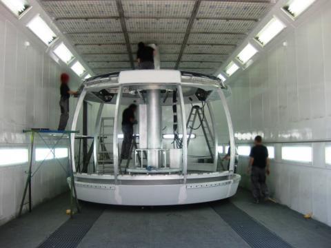 Construcción de la cabina del teleférico del Mont Blanc que asciende a la Punta Helbronner