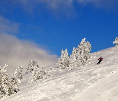Esquiando con nieve sin tratar en Port Ainé.