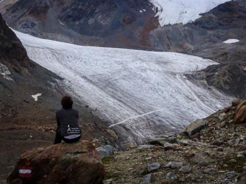 Glaciar Mittlerebergferner con la estación de esquí de Pitztal a la derecha