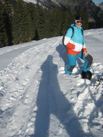 unos 50 cm de nieve al lado de la pista