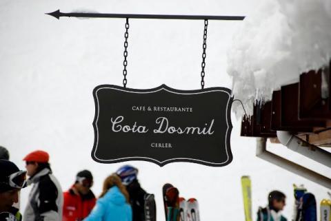 Cartel Cafetería Restaurante Cota Dosmil Celer