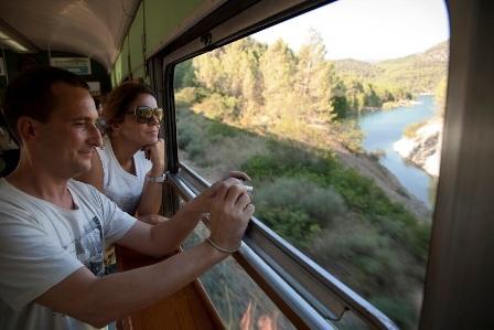 El recorrido del tren dels llacs es de una belleza insuperable