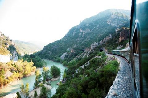 El Tren dels Llacs ofrece un recorrido de gran belleza