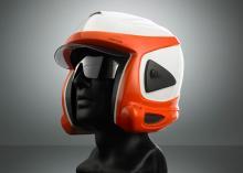 Un casco con protección antiavalancha