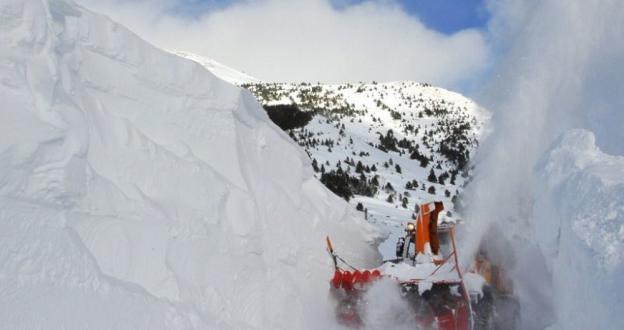 """Meteorólogos, estaciones, agencias y marcas prevén una temporada de esquí  """"un poco mejor"""""""