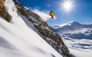 Los Alpes franceses esperan a los esquiadores con más nieve y pistas por el Puente de Diciembre