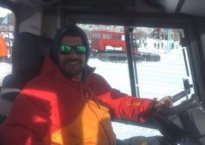 Guillem Sadurní: conductor de pisanieves durante 12 meses al año