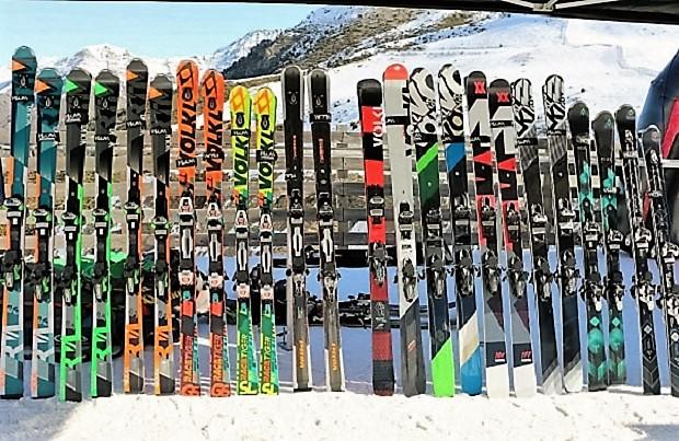 Hoy en día, hay en la práctica, un esquí para cada tipo de nieve y uso. Foto: gama Völkl 2017