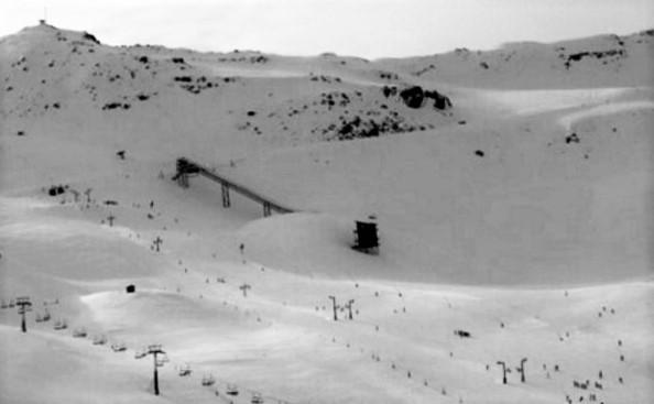 El Trampolín de Saltos de Astún podría acabar desmatelado y quizá formar parte de la historia de nuestro esquí