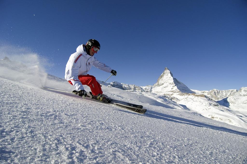 Esquí en Zermatt, cantón del Valais (Suiza). Foto: turismo de suiza.